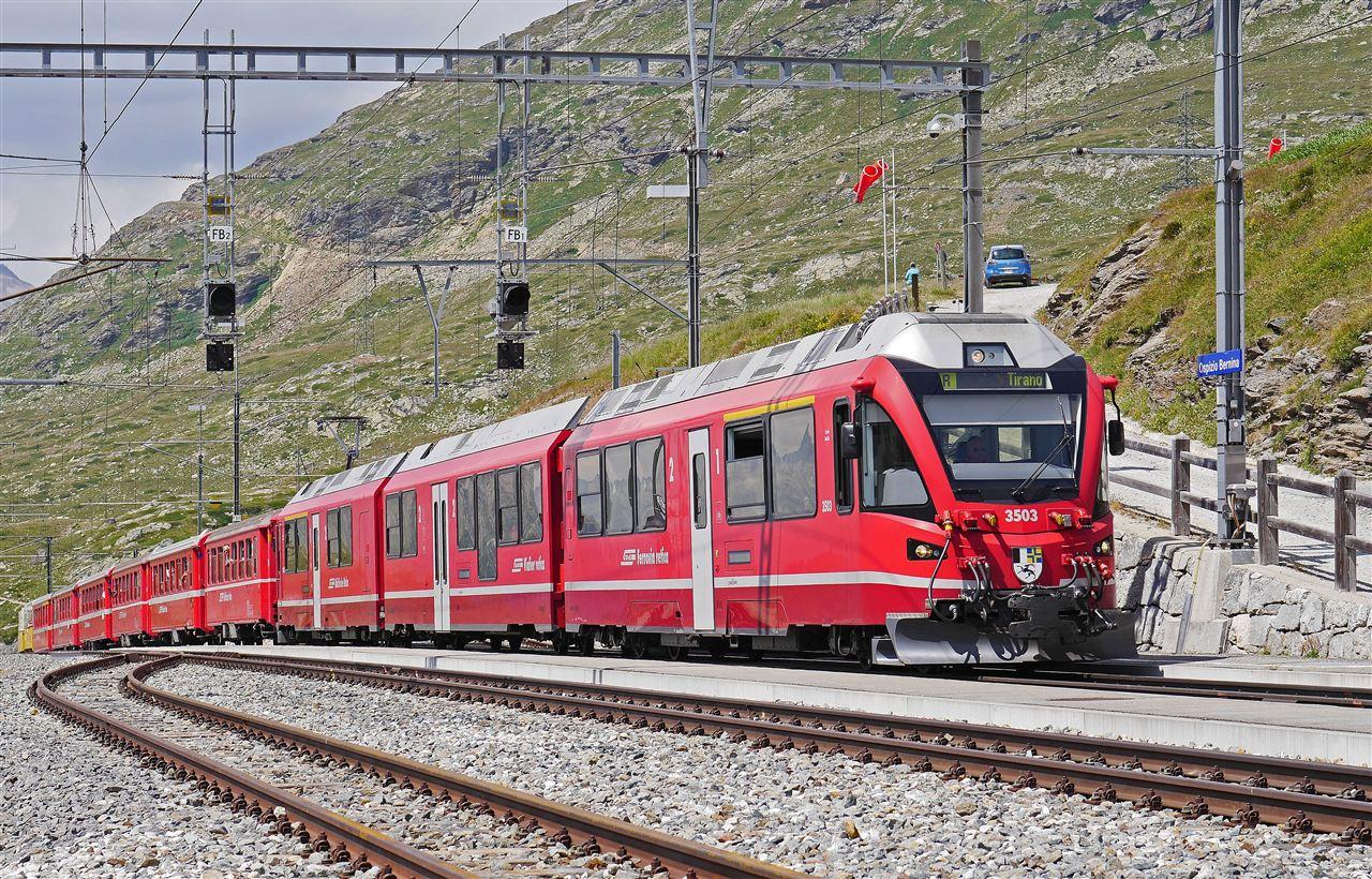仪器设备检验高铁轨道 为乘客保驾护航